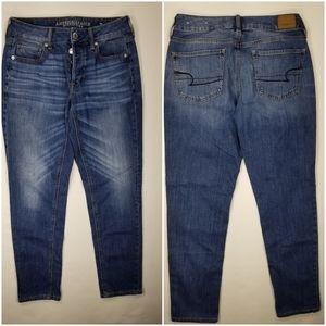 AEO Tomgirl Boyfriend Jeans Button Fly Sz 4
